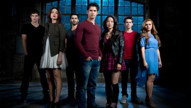 Teen_Wolf_Season_3_Main_Cast_S3B_Credit_Matthew_Welch_cropped